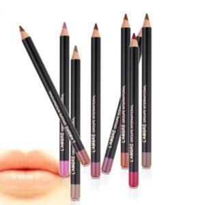 Контурный карандаш для губ LIP LINER